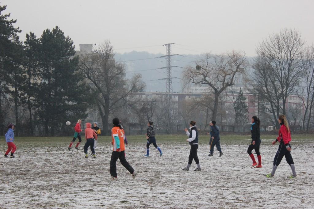 Fetele de la rugby în 7 feminin U Cluj